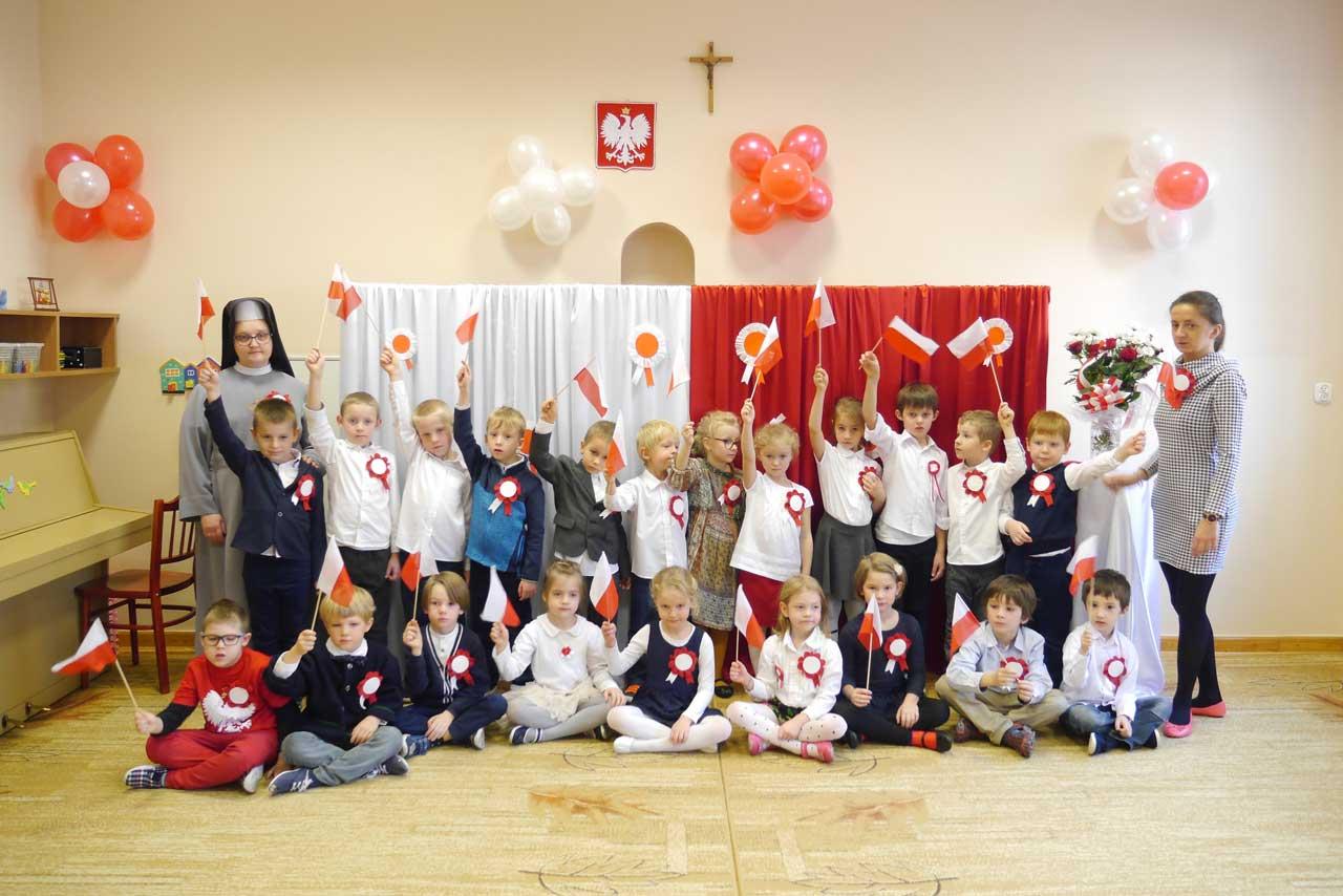 Dzień Dla Niepodległej W Przedszkolu Sióstr Sercanek